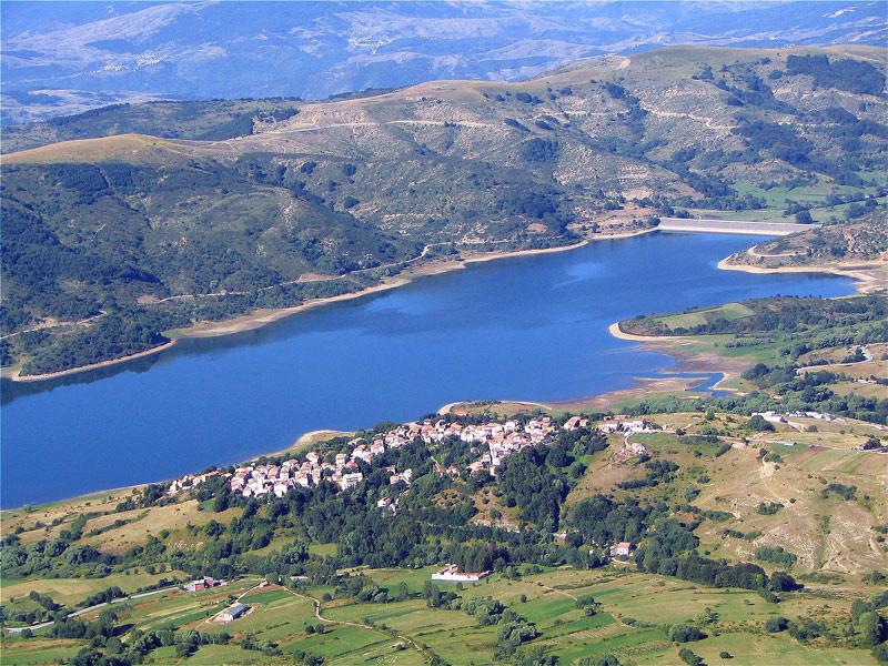 lago-campotosto