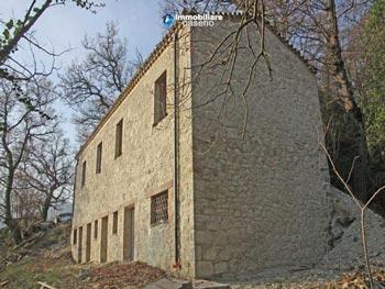 Casolare-in-vendita-a-Palmoli-Abruzzo