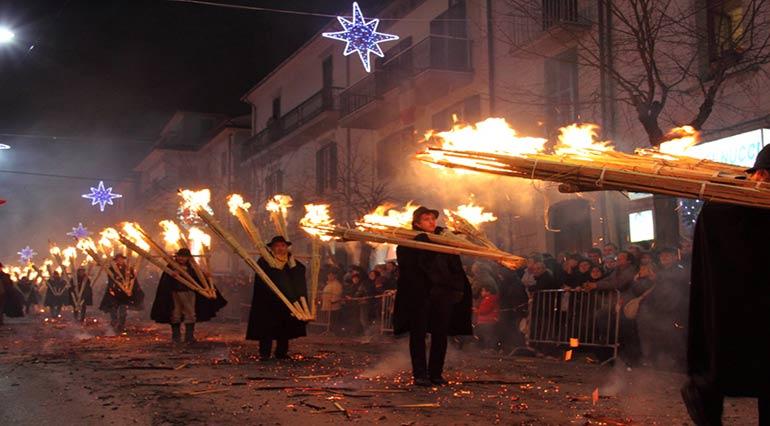L'antico rito della 'ndocciata di Agnone (IS), Molise