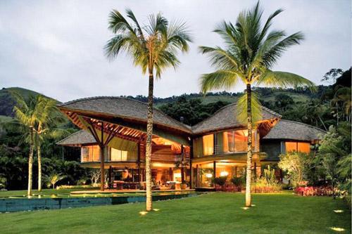 villa-with-garden