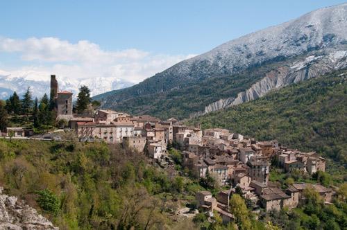 Village-Anversa-degli-Abruzzi
