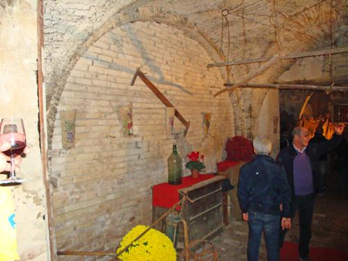 Wine-cellar-village-rural