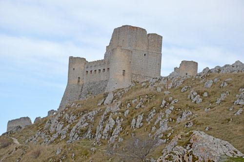 Castello-Roccacalascio-AQ-Italy