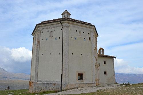 Church-rocca-calascio-Abruzzo