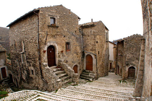 Rocca-Calascio-aquila-Italy