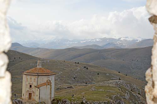 Vista-castle-Abruzzo