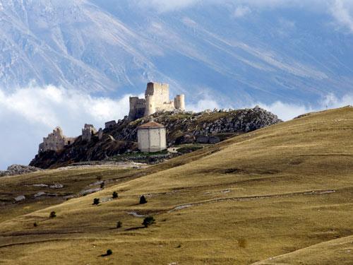 Rocca-Calascio-Abruzzo