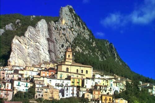 villa-santa-maria-abruzzo-Italy