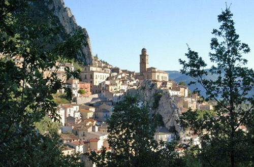 View-of-the-village-of-Villa-Santa-Maria-Abruzzo