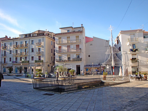 Cuore-piazza-Isernia-Molise