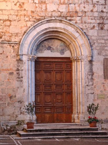 Chiesa-San Francesco-Portale-Isernia