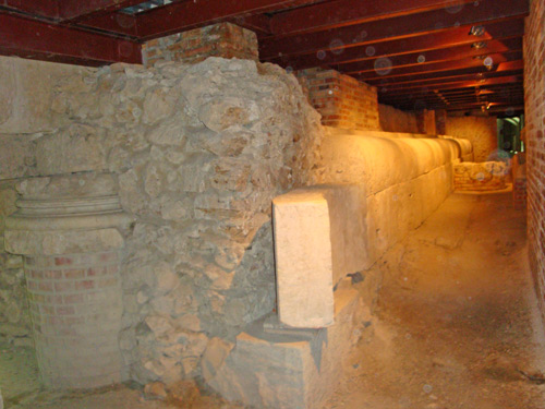 Isernia-route-excavations-city-Roman