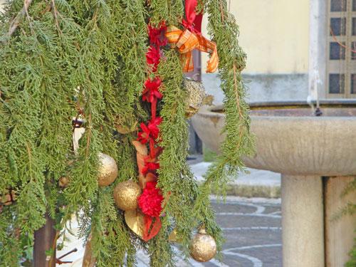 Particolare-natalizio-borgo-Isernia-Molise