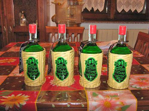 Prodotti-tipici-Centerba-Abruzzo-liquore