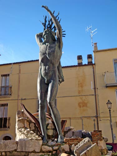 Statue-victims-September-X-Isernia-Molise