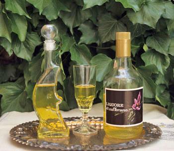 liquore-zafferano-prodotto-tipico