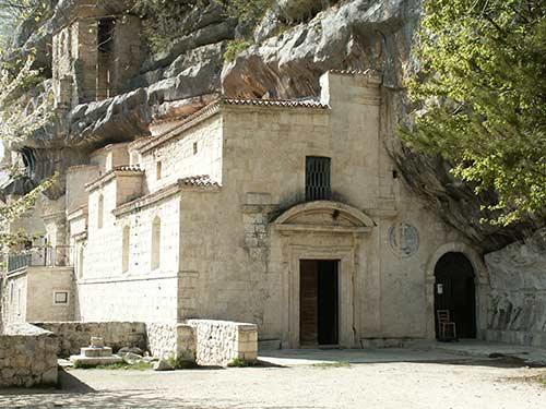 eremo-di-Santo-Spirito-a-Majella-Abruzzo