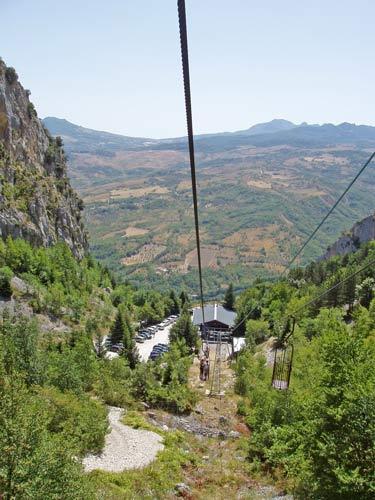 Grotte-del-Cavallone-funivia