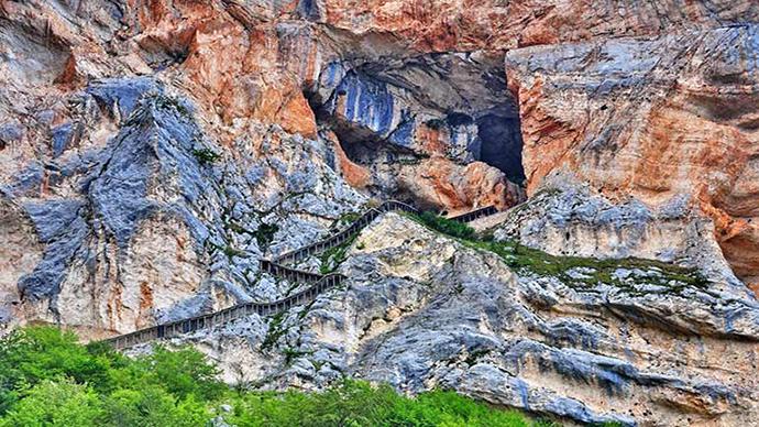 Grotte del Cavallone nel cuore del Parco nazionale della Majella