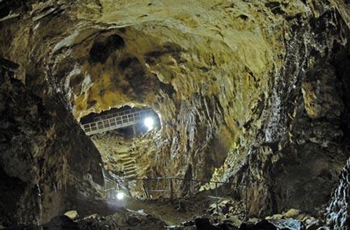 grotta-cavallone-interno-Abruzzo