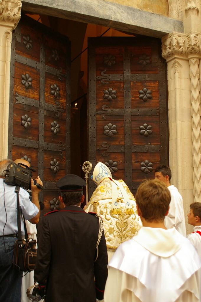 apertura-porta-santa-atri