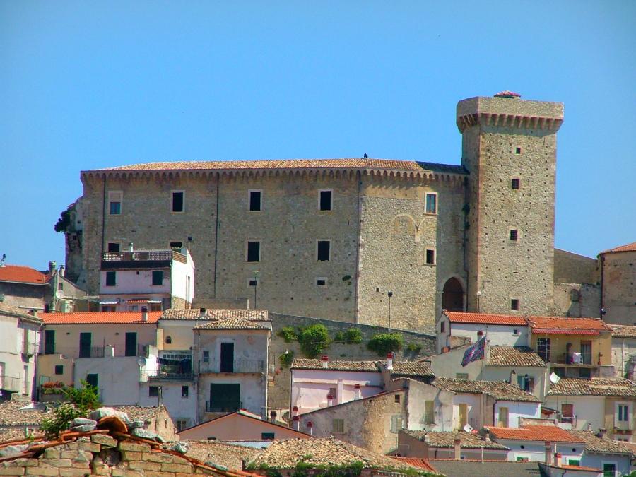 castello-ducale-di-Casoli