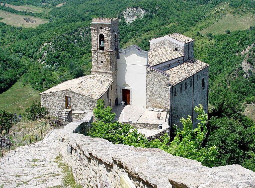 Chiesa-san-pietro-Roccascalegna-chieti-abruzzo