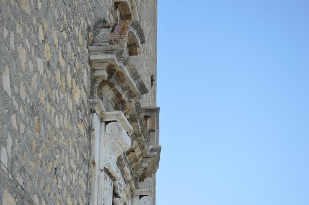 carunchio-centro-storico-palazzo