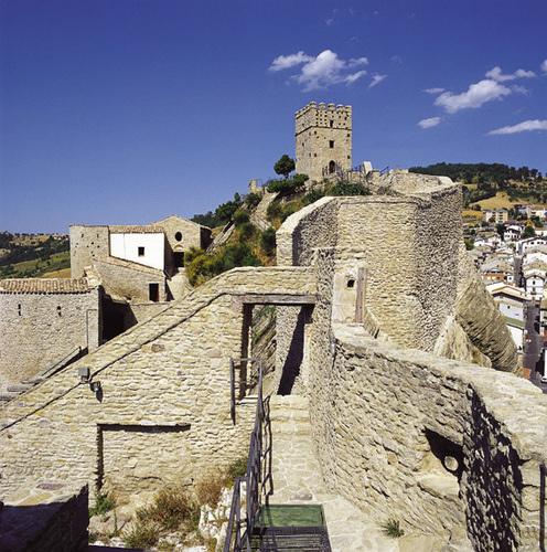 castello-di-roccascalegna-cortiile