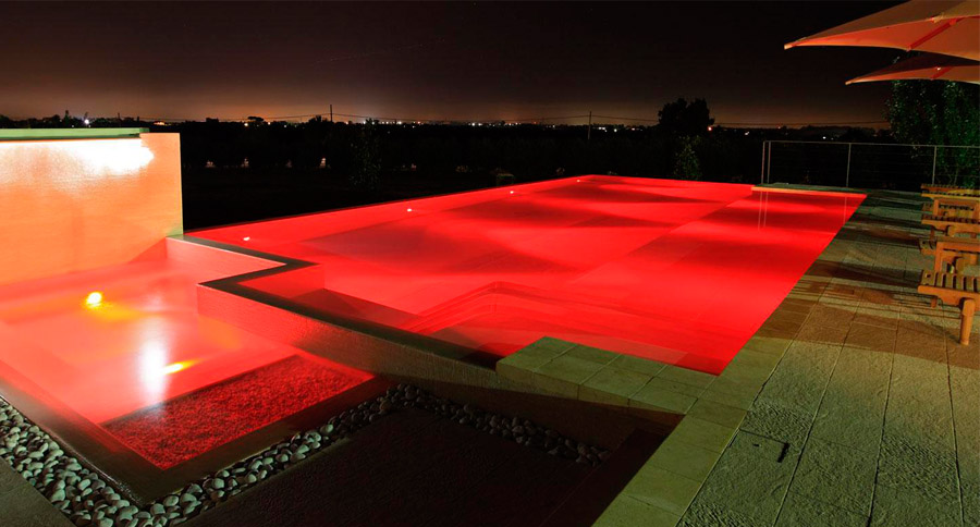 piscine-fari-a-led-colorati