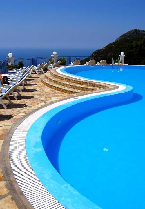Piscine da realizzare for Piscina sfioro