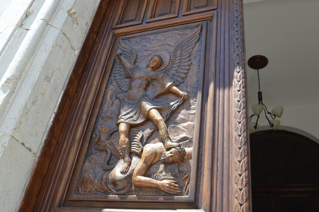 entrata-chiesa-roccaspinalveti