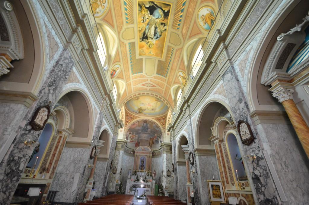 interno-chiesa-roccaspinalveti