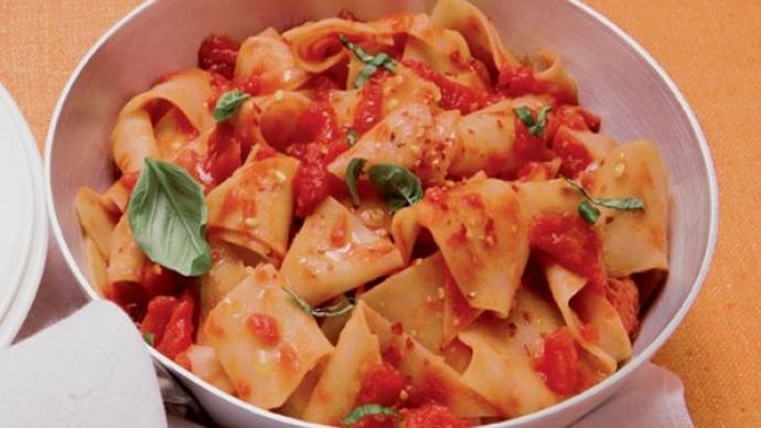 """Tacconelle o """"sagne a pezze"""" piatto povero tipico abruzzese"""