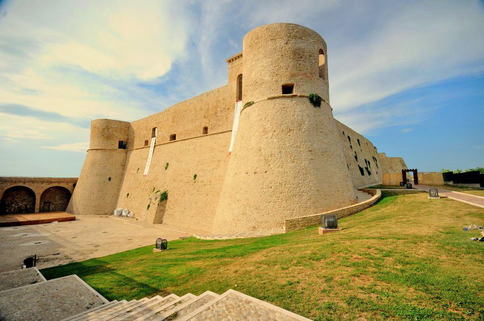 castello-di-Ortona-la-pizzuta