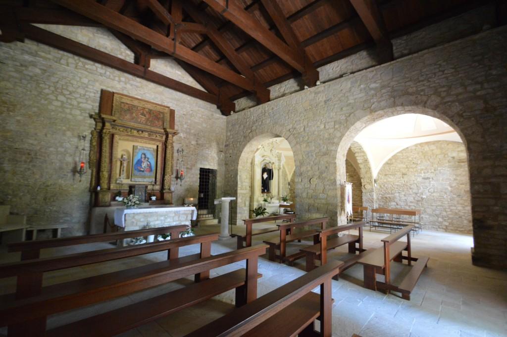 interno-chiesa-fraine