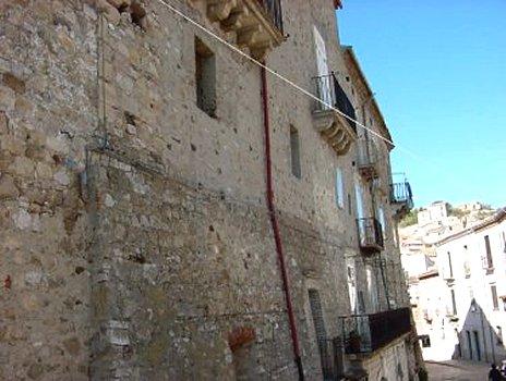 castelbottaccio palazzo