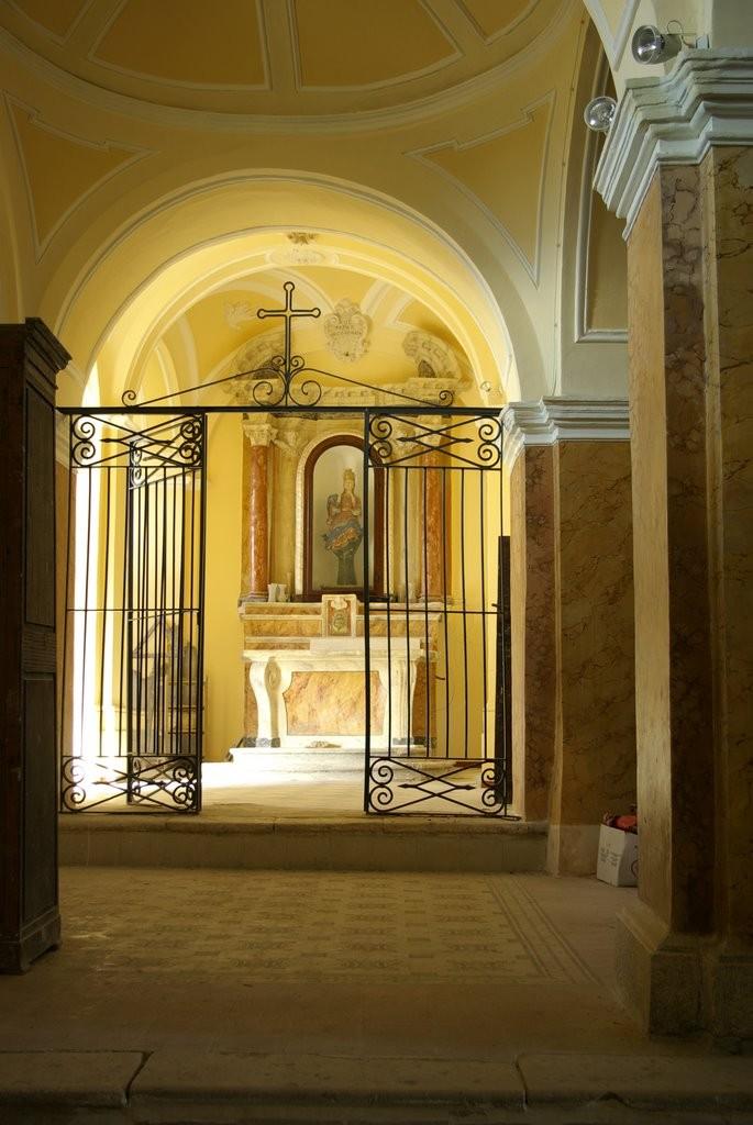 Bagnoli del Trigno interno chiesa San Silvestro