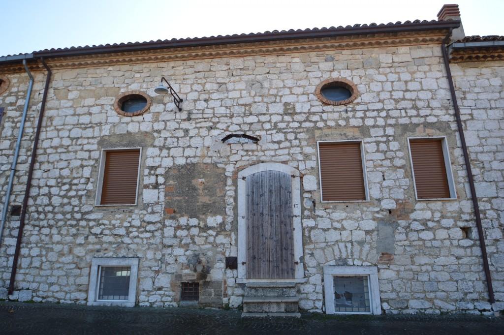 casa in pietra Busso