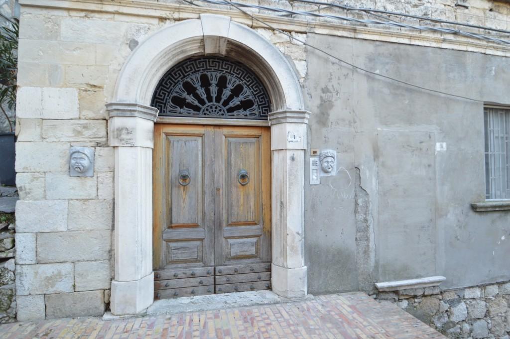 portone-antico-Abruzzo-Italy
