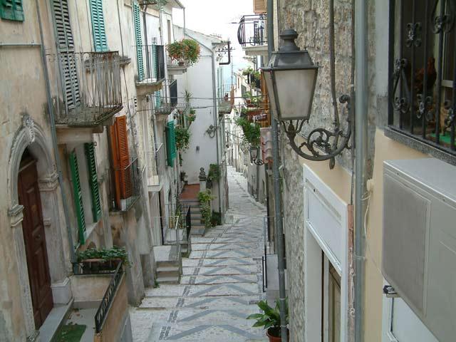 Caramanico Terme centro .