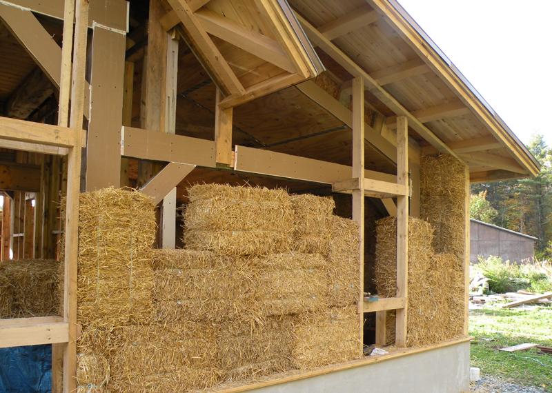 Costruire una economica ed ecosostenibile casa in paglia, bioedilizia