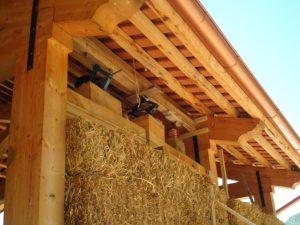 Costruzione casa in paglia e legno